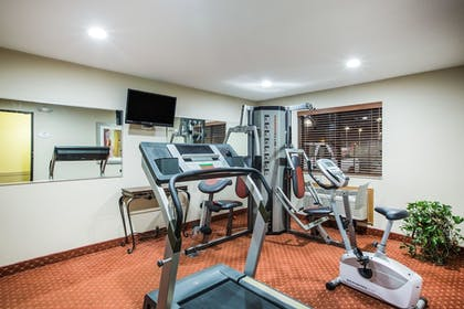 Fitness Facility | Baymont by Wyndham Cedar Rapids