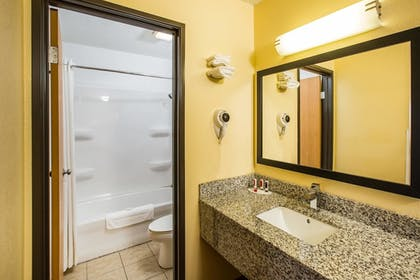 Bathroom | Baymont by Wyndham Cedar Rapids