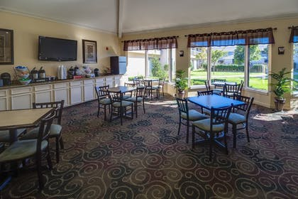 Dining | Ashmore Inn and Suites