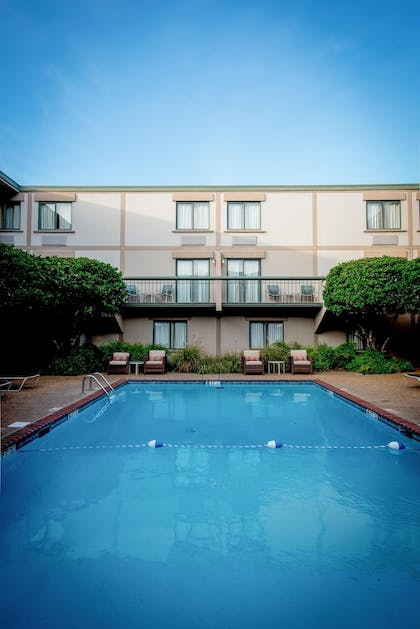 Indoor Pool | Cabot Lodge Jackson North - a Red Lion Hotel