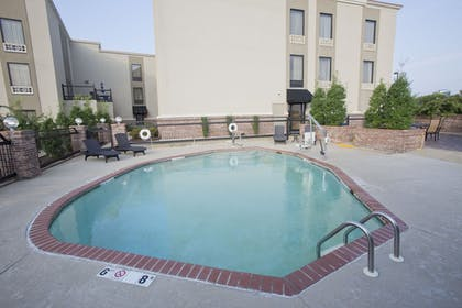 Pool | Holiday Inn Express New Albany