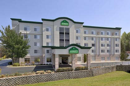 Hotel Front | Wingate by Wyndham Chattanooga