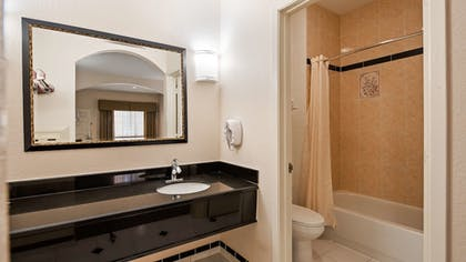 Bathroom | Best Western Windsor Suites