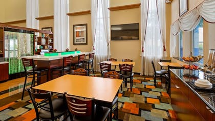 Breakfast Area | Best Western Windsor Suites