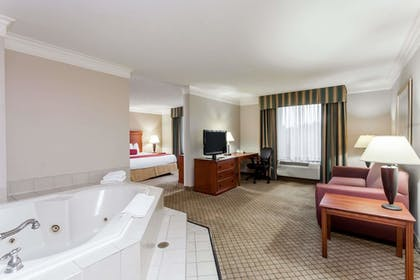 Guestroom | Baymont by Wyndham Madisonville