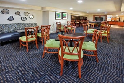 Dining | Holiday Inn Express and Suites Atlanta Downtown