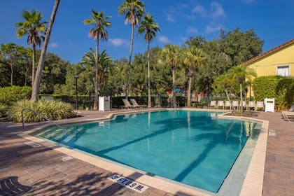 Outdoor Pool | Legacy Vacation Resorts-Lake Buena Vista