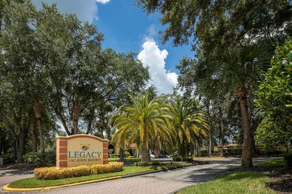 Front of Property - Evening/Night | Legacy Vacation Resorts-Lake Buena Vista