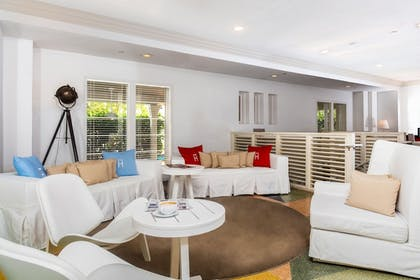 Check-in/Check-out Kiosk   Townhouse Hotel Miami Beach