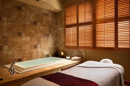 Massage   Chateau On The Lake Resort Spa and Convention Center