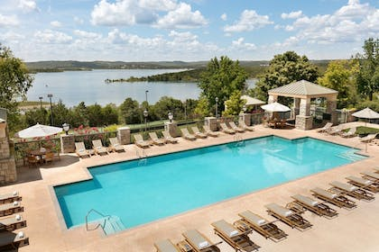 Outdoor Pool   Chateau On The Lake Resort Spa and Convention Center