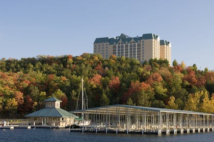 Marina   Chateau On The Lake Resort Spa and Convention Center