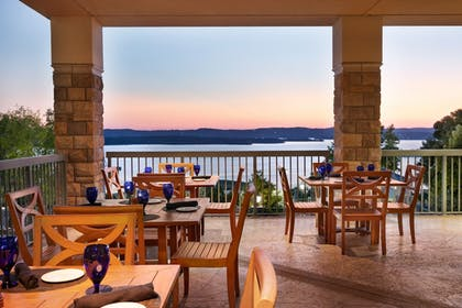 Outdoor Dining   Chateau On The Lake Resort Spa and Convention Center