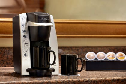 Coffee and/or Coffee Maker   Chateau On The Lake Resort Spa and Convention Center