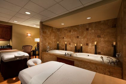 Treatment Room   Chateau On The Lake Resort Spa and Convention Center