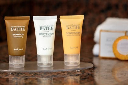 Bathroom Amenities   Chateau On The Lake Resort Spa and Convention Center