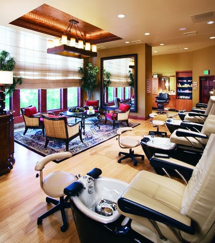 Nail Salon   Chateau On The Lake Resort Spa and Convention Center
