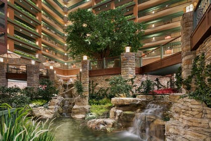 Lobby   Chateau On The Lake Resort Spa and Convention Center