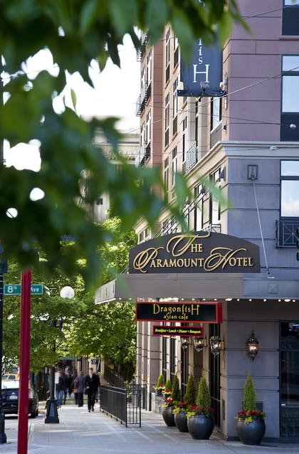 Hotel Front | The Paramount Hotel