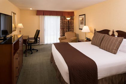 Guestroom   Red Lion Hotel Kennewick Columbia Center