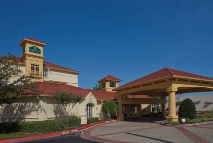 Exterior | La Quinta Inn & Suites by Wyndham Sherman