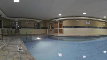 Indoor Pool | Holiday Inn Express Evansville West