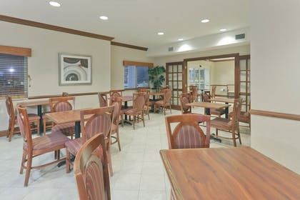 Restaurant | Holiday Inn Express Evansville West