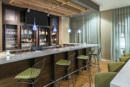 Hotel Bar | Courtyard by Marriott Chattanooga Downtown