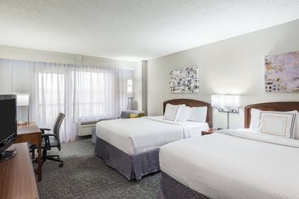 Guestroom | Courtyard by Marriott Chattanooga Downtown
