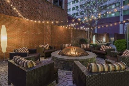 Courtyard | Courtyard by Marriott Chattanooga Downtown