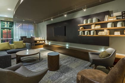 Lobby Sitting Area | Courtyard by Marriott Chattanooga Downtown