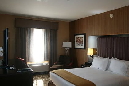 Guestroom | Holiday Inn Express and Suites Vineland Millville