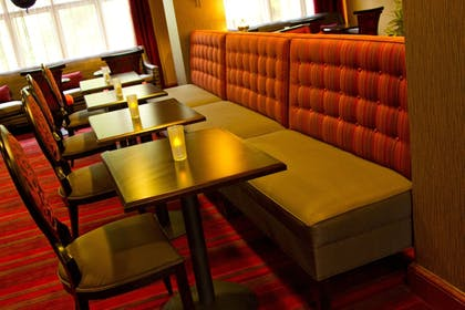 Restaurant | Holiday Inn Express and Suites Vineland Millville