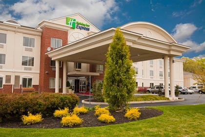 Featured Image | Holiday Inn Express and Suites Vineland Millville