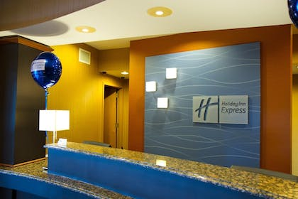 Interior | Holiday Inn Express and Suites Vineland Millville