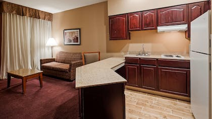 Room | Best Western Plus Hannaford Inn & Suites