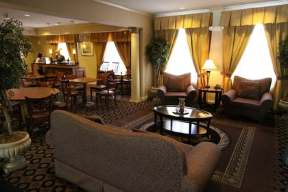 Lobby Sitting Area | Best Western Plus Hannaford Inn & Suites