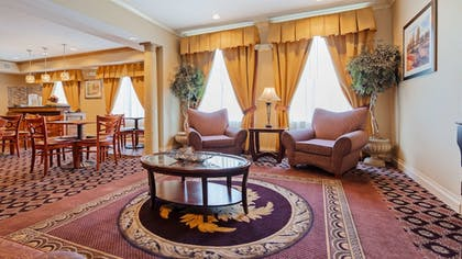 Lobby | Best Western Plus Hannaford Inn & Suites