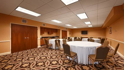 Meeting Facility | Best Western Plus Hannaford Inn & Suites
