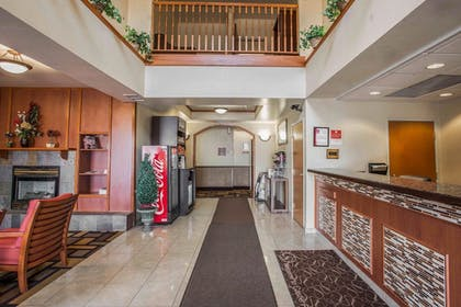 Lobby | Comfort Suites Castle Rock