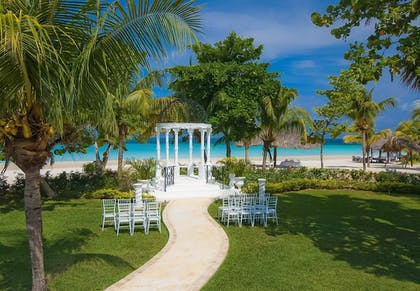 Outdoor Wedding Area | Beaches Negril