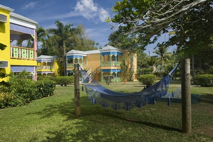 Property Grounds | Grand Pineapple Beach Negril