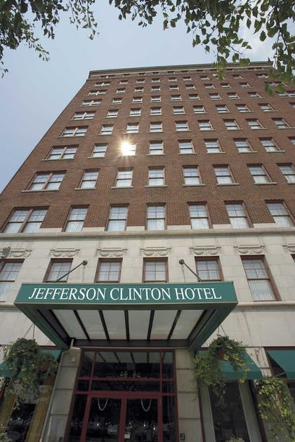 Featured Image | Jefferson Clinton Hotel