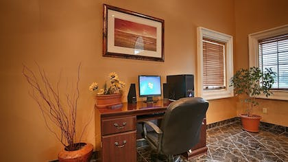 Business Center | SureStay Plus Hotel by Best Western Beeville