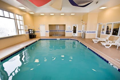 Indoor Pool | Holiday Inn Express Hotel & Suites Chicago-Algonquin