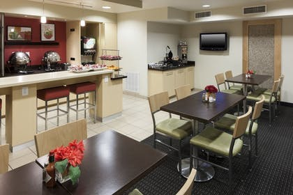 Dining | TownePlace Suites by Marriott Austin Arboretum/The Domain Area