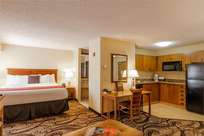 In-Room Kitchen | MCM Elegante Lodge & Suites Ruidoso