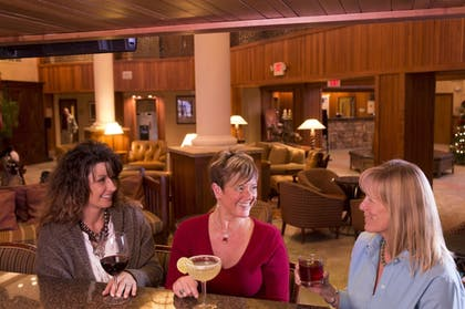 Hotel Bar | MCM Elegante Lodge & Suites Ruidoso