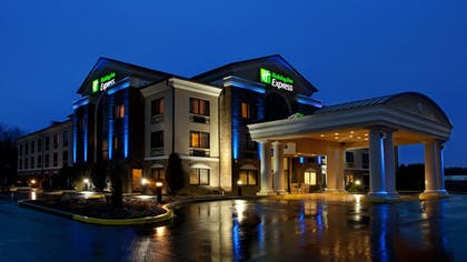 Featured Image | Holiday Inn Express Grove City