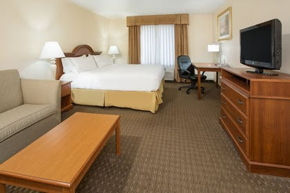 Guestroom | Holiday Inn Express & Suites Marion